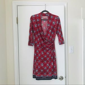 Dresses & Skirts - Red floral wrap body-con dress (s)